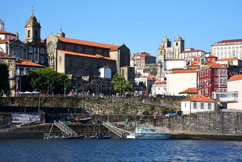 Porto, Portugal, Europa Stadslandschap, zonnige de zomerdag Weergeven van de oude stad, Ribeiro-district stock fotografie