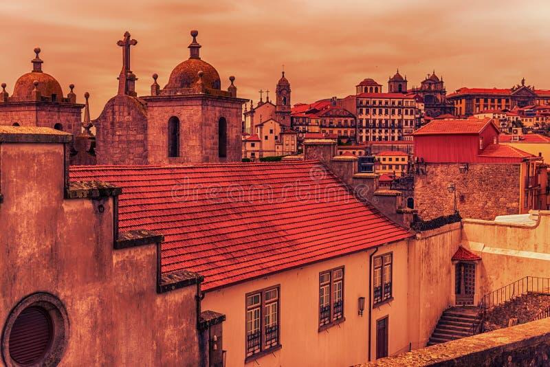 Porto, Portugal: horizon van de oude stad stock afbeeldingen