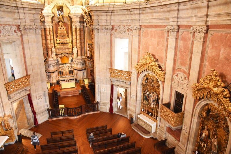 Porto, Portugal - 9 janvier 2019 : Intérieur de l'église de l'église de Clerigos du clergé La tour la plus grande dans la ville d photo stock