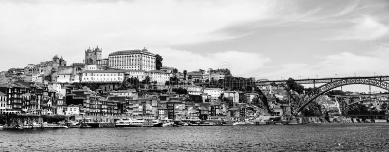 Porto, Portugal Panorama van kleurrijke oude huizen royalty-vrije stock foto's