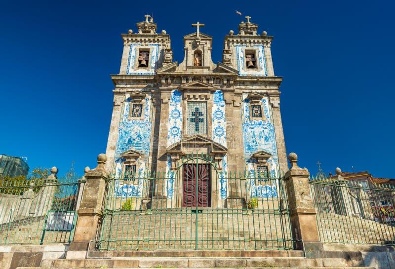 Porto, Portugal: Vista da igreja de Saint Ildefonso Igreja de Santo Ildefonso imagem de stock