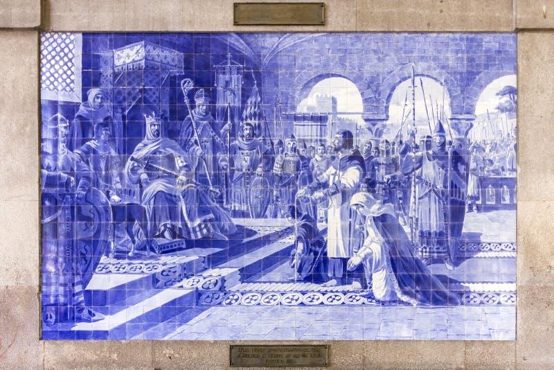 PORTO PORTUGALIA, CZERWIEC, - 24, 2017: Antyczne rocznika Azulejos panelu dalej inside ściany główna sala Sao Bento stacja kolejo fotografia royalty free