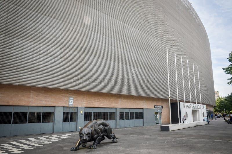 PORTO, PORTUGLAL - 9 juin 2019 : L'entrée centrale au stade à la maison du club du football de Boavista Besa XXI avec prédateur images libres de droits