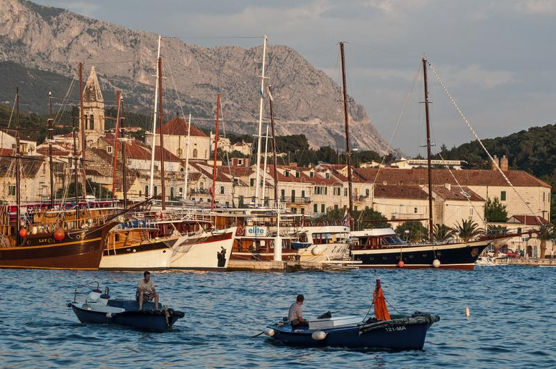 Porto principal, Makarska, Croácia fotografia de stock royalty free