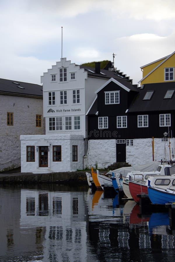 Porto Torshavn, visita Ilhas Faroé fotos de stock royalty free