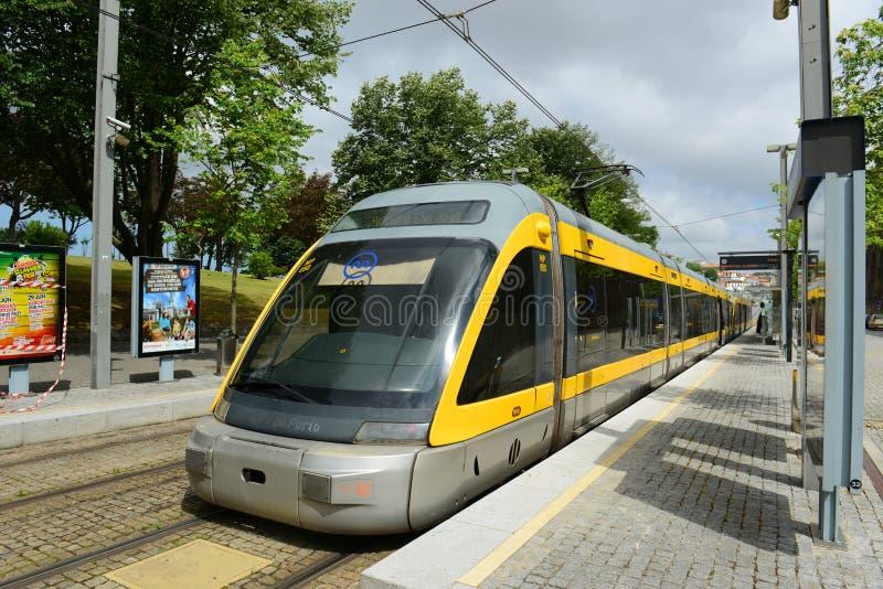 Porto tunnelbana på jordningen, Portugal royaltyfri foto
