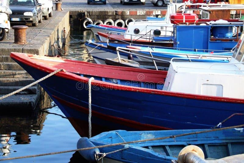Porto Ulisse-Ognina-Catania-Sicilia-Italien - idérika allmänningar vid gnuckx arkivbild