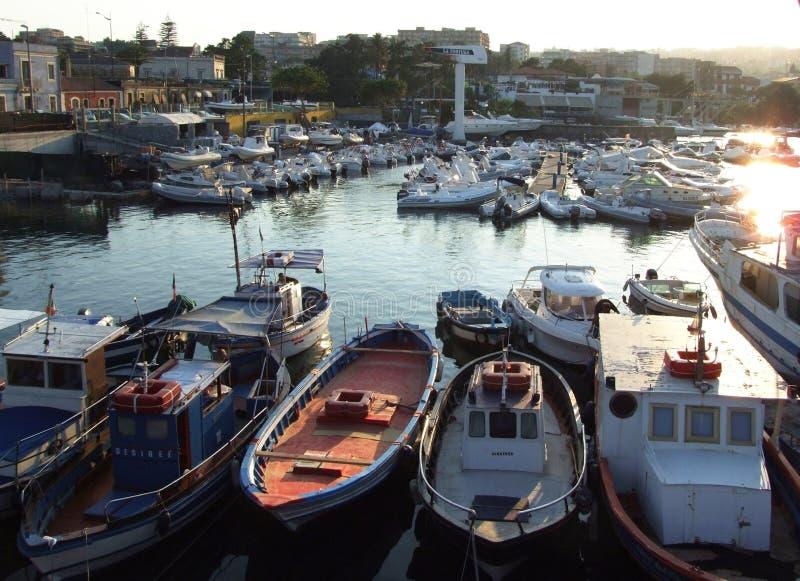 Porto Ulisse Ognina Catania Sicilia-Italy - idérika allmänningar vid gnuckx fotografering för bildbyråer