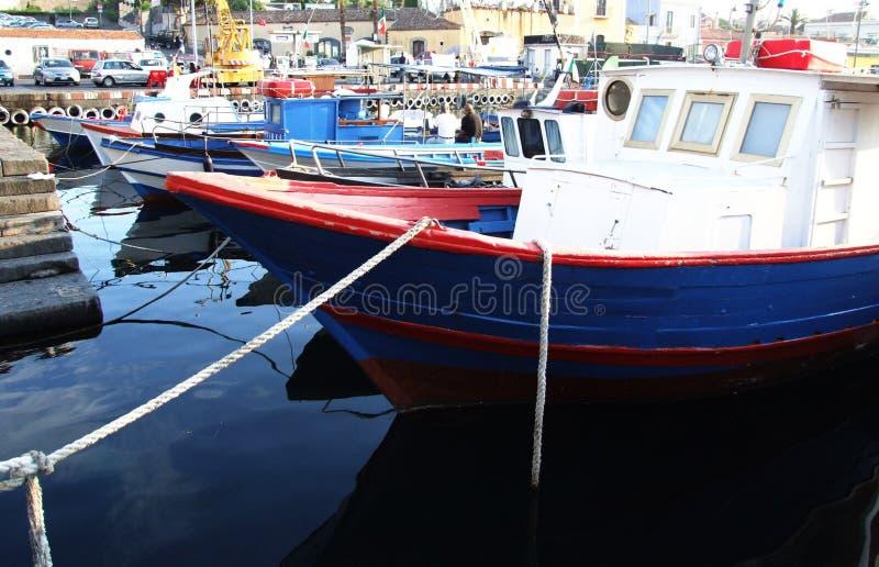 Porto Ulisse Ognina Catania Sicilia-Italy - terras comuns criativas pelo gnuckx imagem de stock