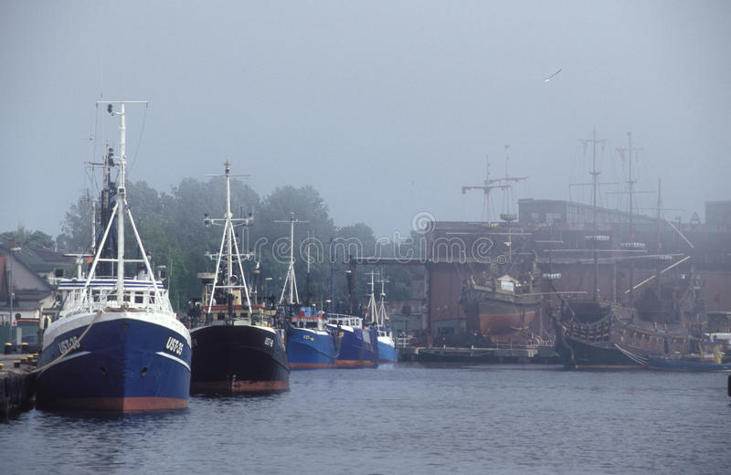 Porto in una nebbia fotografia stock libera da diritti