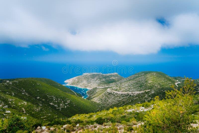 Porto Vromi baía azul na ilha de Zakynthos, mar do mar Mediterrâneo, Grécia imagens de stock royalty free