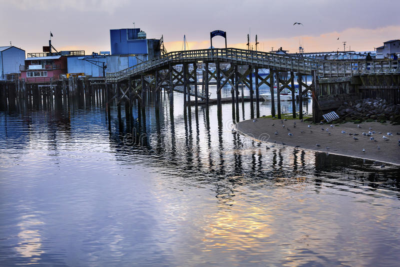 Porto Washington dos cinzas de Westport do processador dos peixes da ponte de madeira fotos de stock royalty free