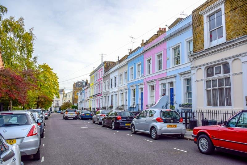 Portobello-Straßen-Markt, eine berühmte Straße im Notting Hill, London, England, Vereinigtes Königreich stockbilder