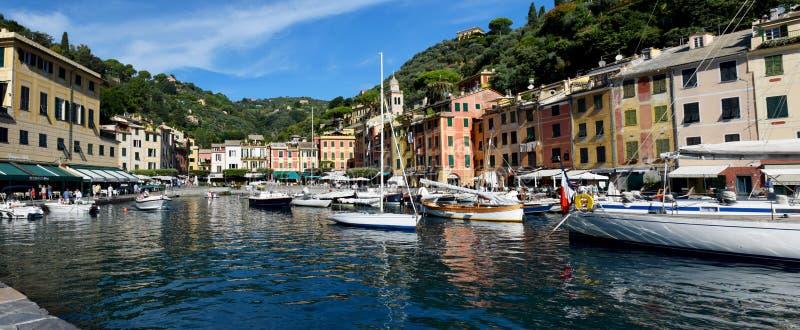 PORTOFINO, ITALIE - 11 09 2018 : Le port de Portofino et l'achat sont photo stock