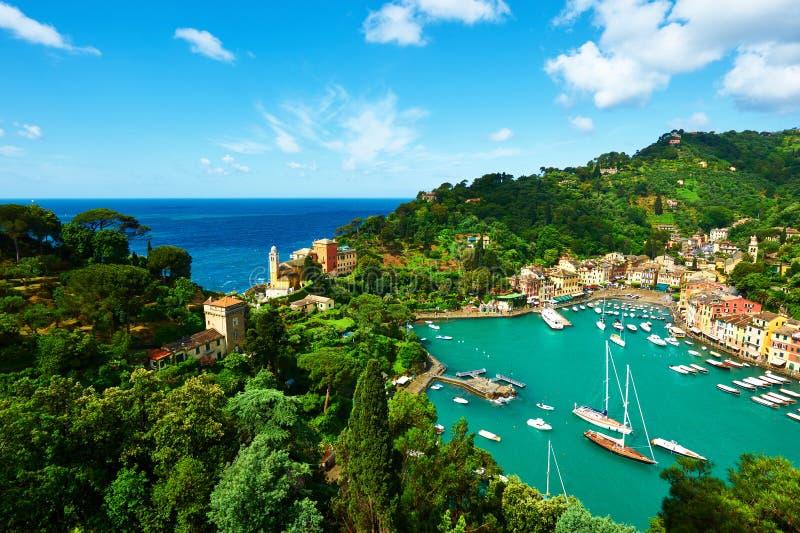 Portofino by på den Ligurian kusten, Italien fotografering för bildbyråer