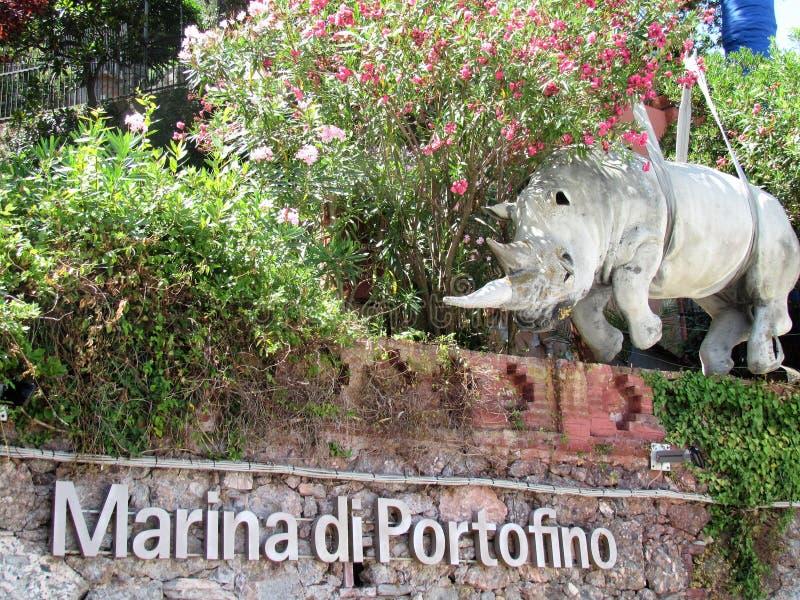 Portofino Statue de rhinocéros, le symbole de la ville photo libre de droits