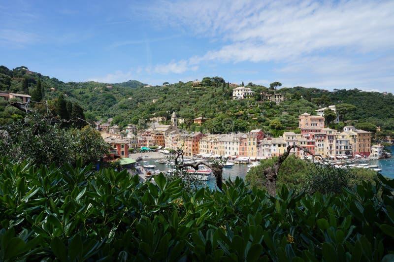 Portofino a través de los árboles fotos de archivo libres de regalías