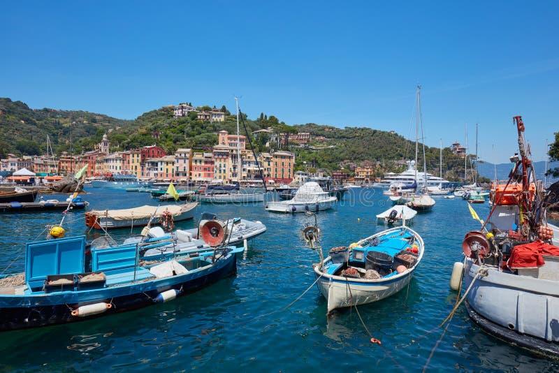 Portofino typowa piękna wioska z łodziami rybackimi fotografia stock