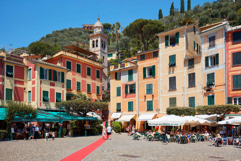 Portofino wioski typowy piękny kwadrat w Włochy fotografia stock