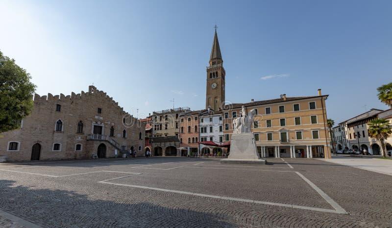 Portogruaro, Vêneto, Itália uma cidade medioeval histórica fotografia de stock