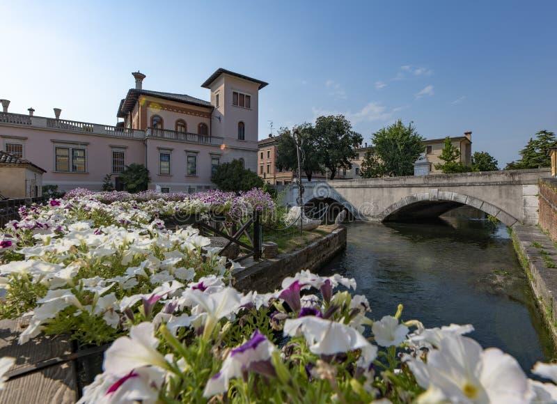 Portogruaro, Venetien, Brücke auf dem Lemene-Fluss stockbild