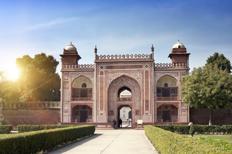 Portone al bambino Taj della tomba del ` s di Itmad-Ud-Daulah Agra, Uttar Pradesh, India fotografia stock libera da diritti