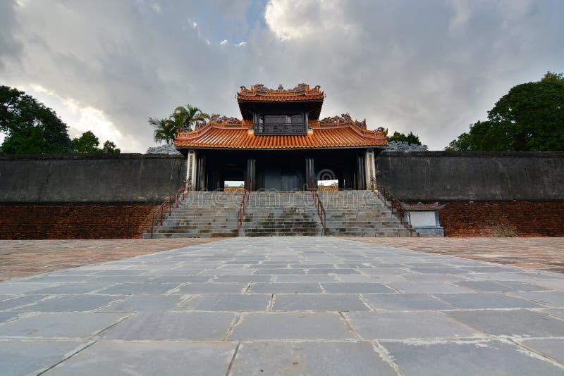 Portone all'area di tempio Tomba del Tu Duc Hué vietnam immagine stock libera da diritti
