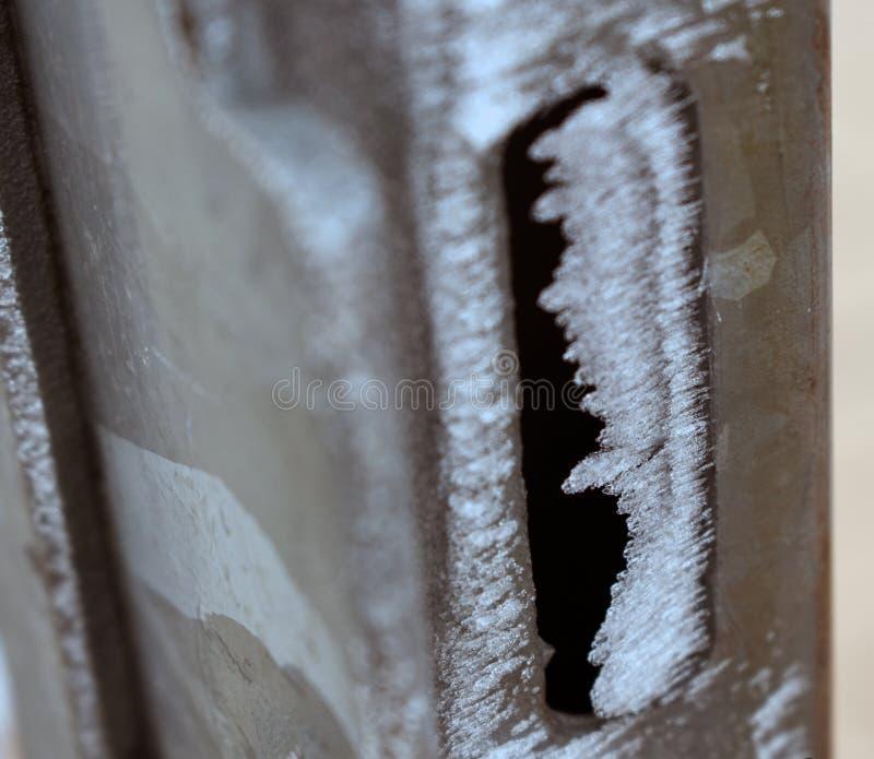Portone congelato nell'inverno fotografie stock libere da diritti