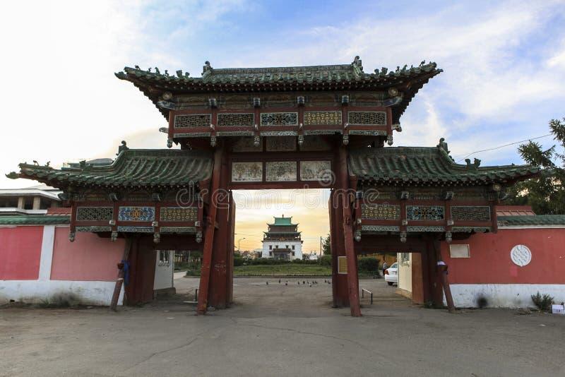 Portone del monastero in Ulaanbaatar fotografia stock