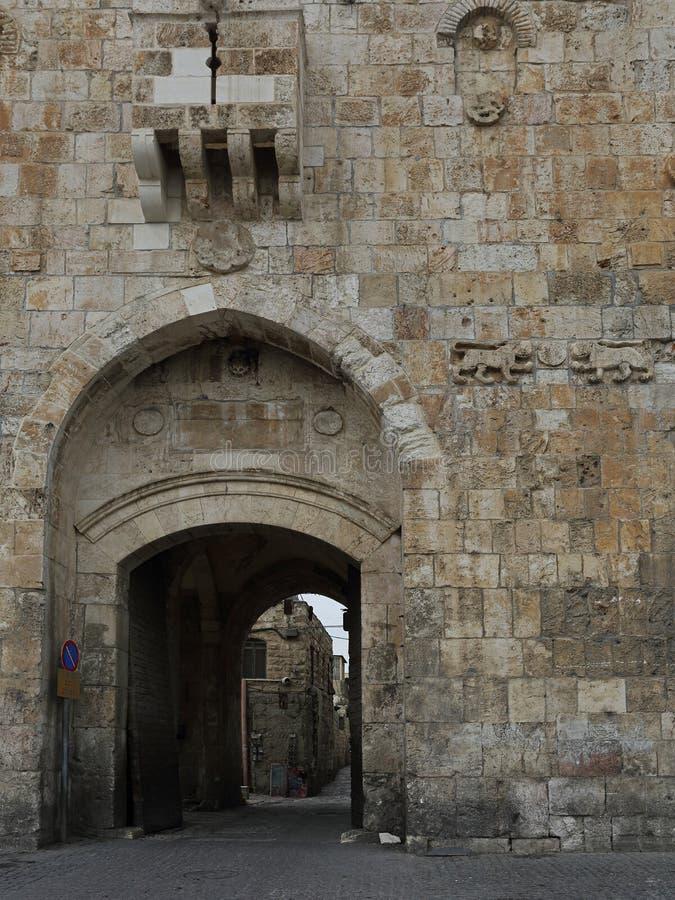 Portone del ` s del leone, via Dolorosa, Gerusalemme, Israele immagine stock libera da diritti