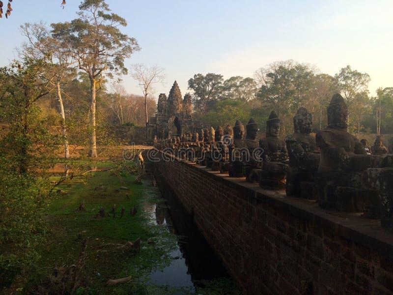 Portone del tempio antico immagini stock