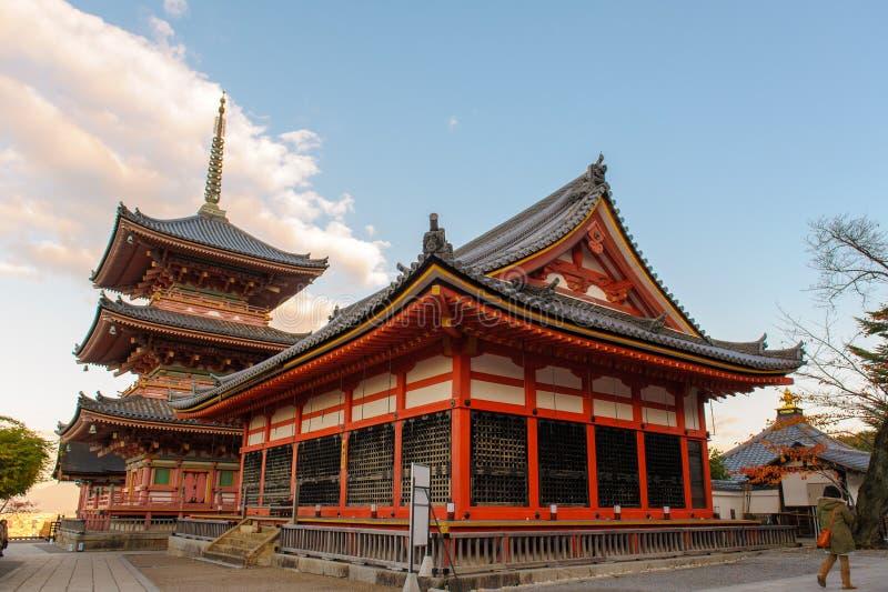 Portone del tempio di Kiyomizu-dera a Kyoto fotografie stock