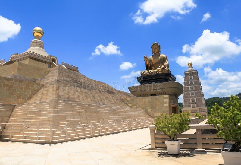 Portone del tempio in Taiwan immagine stock