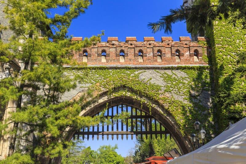 Portone dell'entrata al castello di Vajdahunyad Budapest fotografia stock libera da diritti