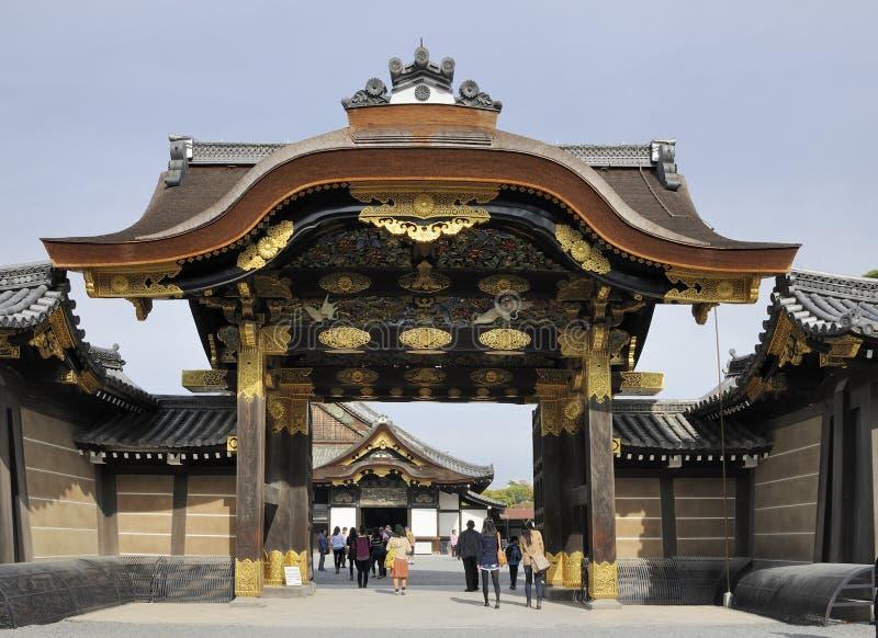 Portone dell'entrata del castello di Nijo fotografia stock libera da diritti