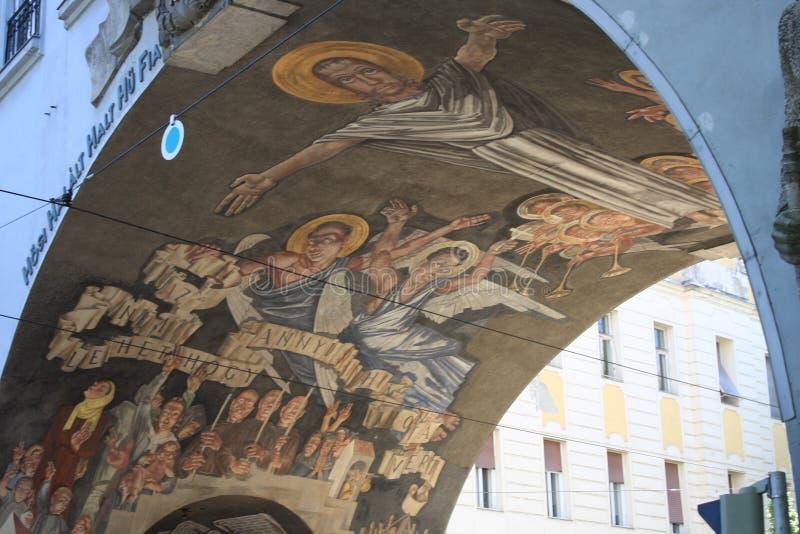 Portone dell'eroe Seghedino - in Ungheria fotografie stock