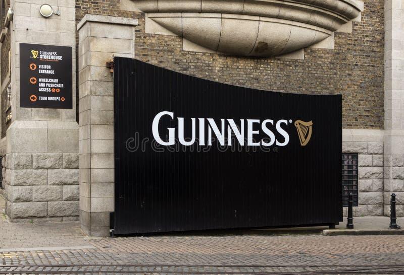 Portone della fabbrica di birra di Guinness, Dublino immagini stock libere da diritti