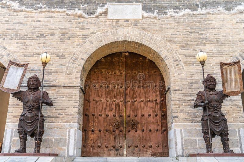 Portone della grande muraglia del passaggio di Yanmen, provincia di Shanxi, Cina immagini stock libere da diritti