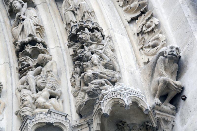 Portone di Notre Dame Cathedral fotografie stock libere da diritti