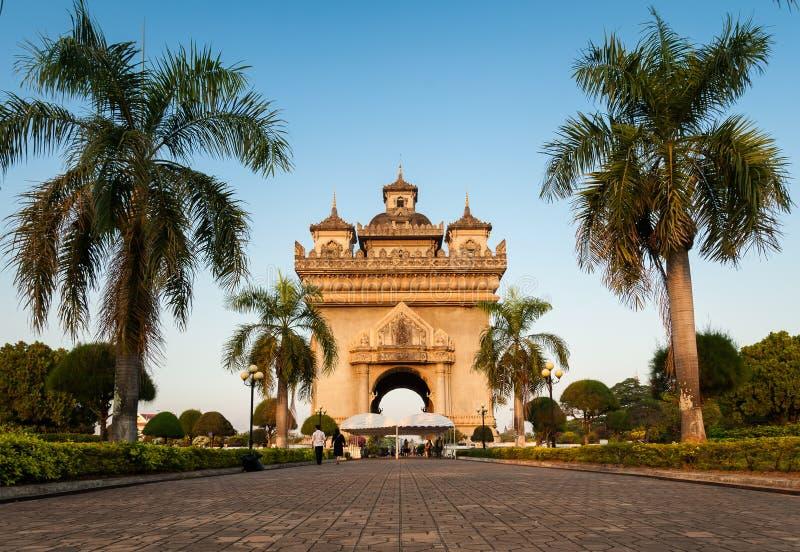 Portone di vittoria di Patuxay (Patuxai) in Vientian immagini stock libere da diritti