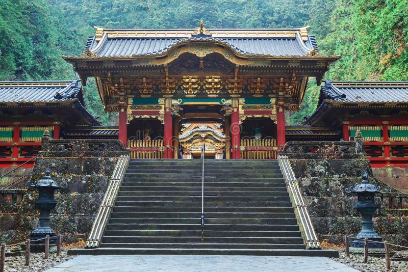 Portone di Yashamon al santuario di Taiyuinbyo a Nikko, Giappone immagini stock libere da diritti
