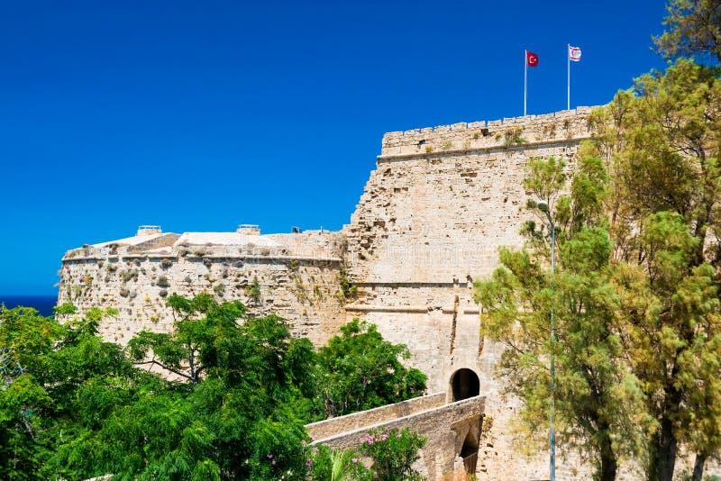 Portone e ponte del castello di Kyrenia cyprus fotografia stock libera da diritti