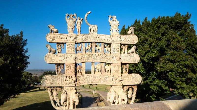Portone o Toran Dwar di grande Stupa Sanchi fotografie stock
