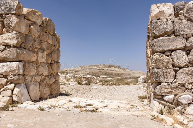 Portone occidentale della città Canaanite al telefono Arad in Israele fotografie stock