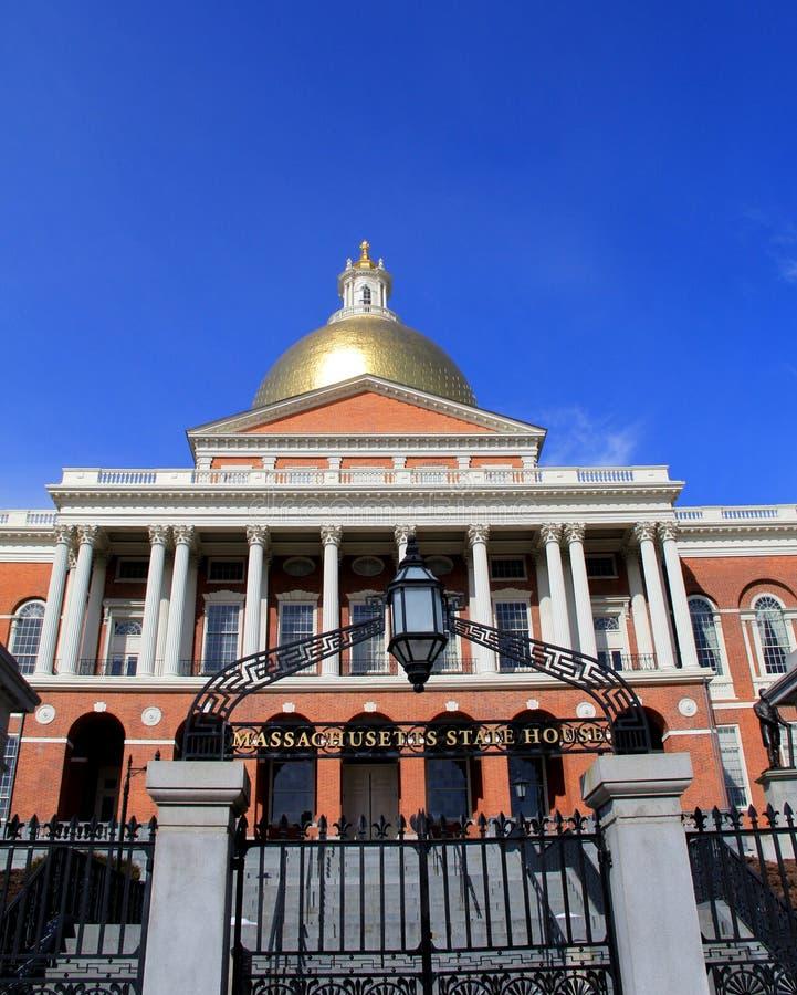 Portoni anteriori della Camera dello stato di Massachusetts immagini stock