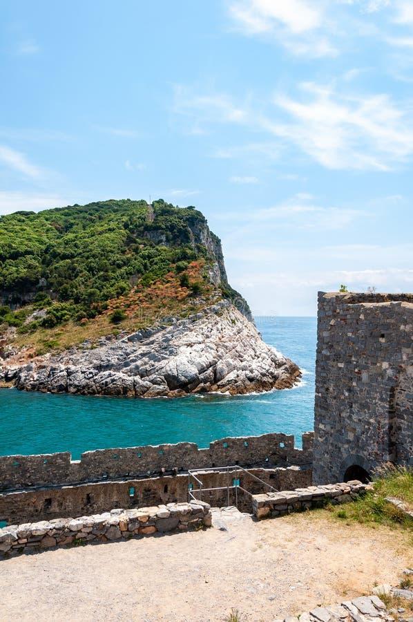Portovenere, Itali? Mooi kustdorp met de beroemde golf van dichters die de gedichten van Byron, een populaire toerist inspireerde stock fotografie