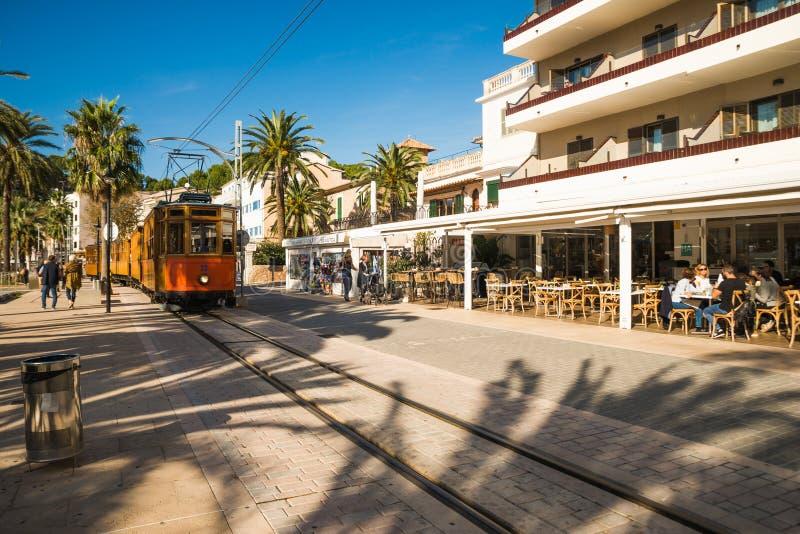 Portowy De Soller, Mallorca, Hiszpania - 04 11 2018 fotografia stock