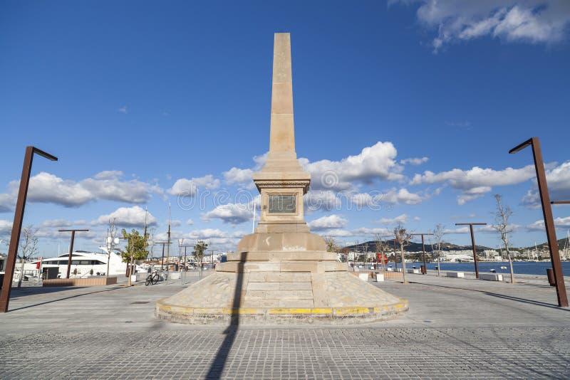 Portowy deptak, obelisk, zabytek, uznanie corsairs w Ibiza, fotografia royalty free
