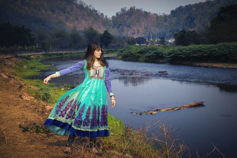 Porträt Art-Modeblickes der Schönheit des arabischen lizenzfreies stockfoto