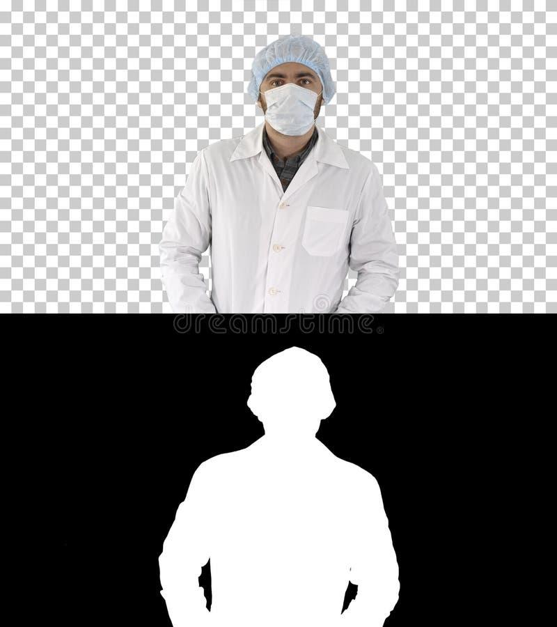 Porträt Arztes Maske und Hut an setzend, Alphakanal lizenzfreies stockfoto